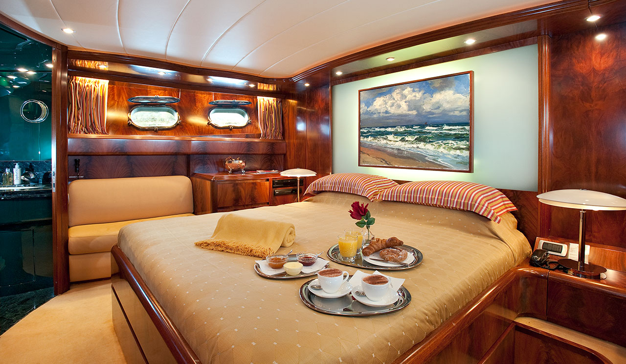 cento-luxury-yacht-10