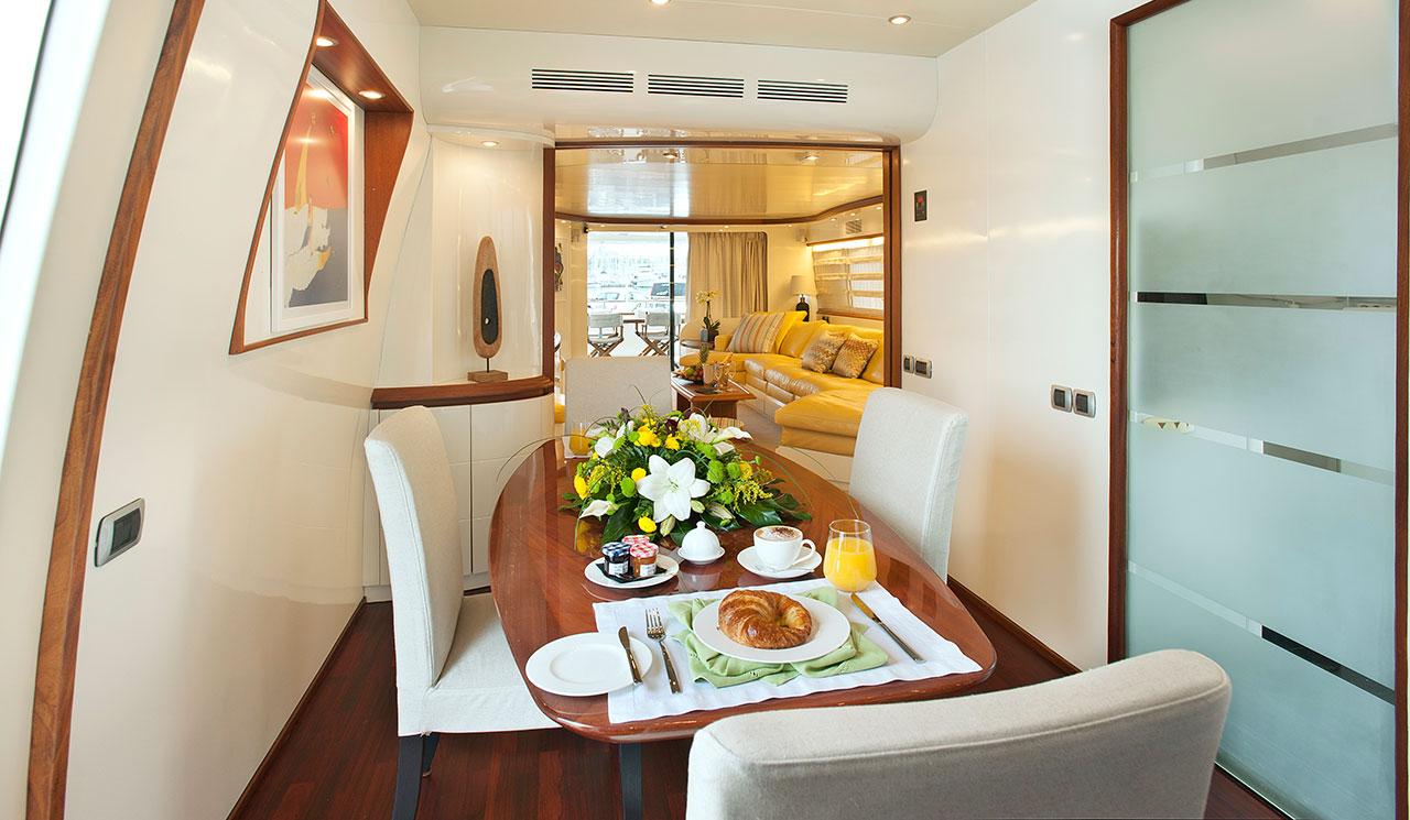 cento-luxury-yacht-14