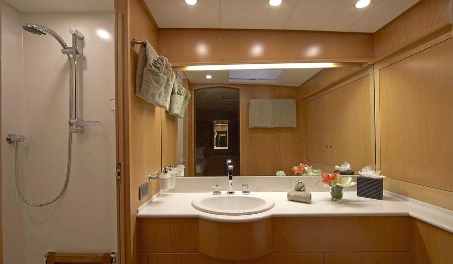 nephele-sail-yacht-10