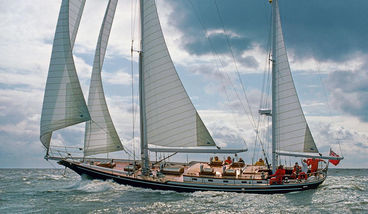 Sailing mega yacht Thula