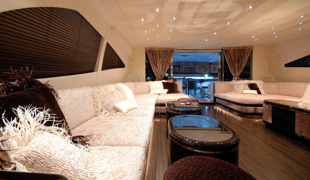 Mangusta-130-lounge