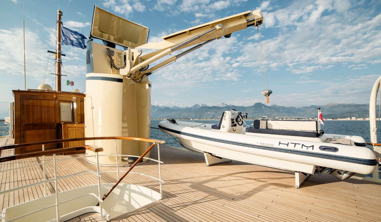 Taransay_39-meter_charter_yacht_Tender_Scandinavina-Marine