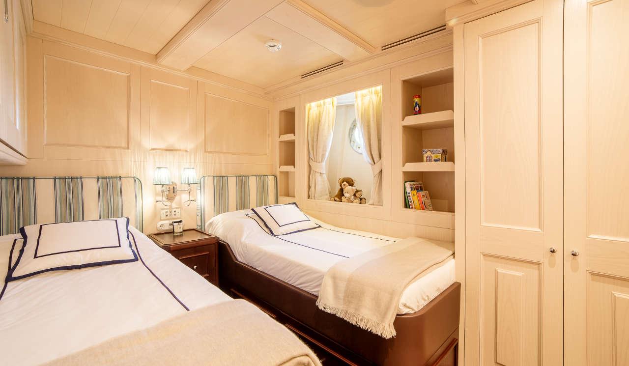 Taransay_39-meter_charter_yacht_Twin-stateroom_Scandinavina-Marine
